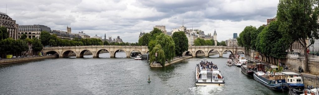 Ile de la cite tour in Paris