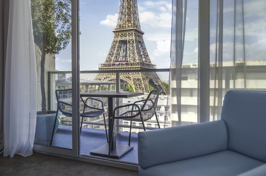 Learn more about the nicest hotels in Paris with Paristroller
